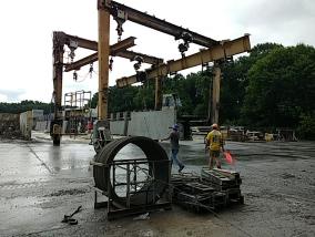 crane for moving hardened slabs